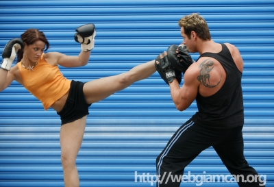 <b style='background-color:Yellow'>Kickboxing</b> - Bai tap giam can nhanh