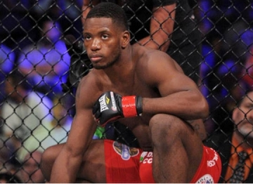 Will Brooks <b style='background-color:Yellow'>thach dau</b> voi tat ca cac vo si o hang can duoi 60kg