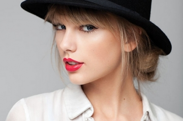 """Taylor Swift: """"That hanh phuc khi duoc <b style='background-color:Yellow'>doc than</b>"""""""
