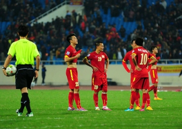 Tien thuong tai <b style='background-color:Yellow'>AFF Cup 2014</b> chua den tay tuyen thu DT Viet Nam