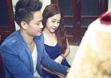 Anh Quan Idol voi nhung ngay <b style='background-color:Yellow'>song ao</b> tuong ve ban than