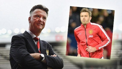 <b style='background-color:Yellow'>Michael Carrick</b>: Doi truong trong long Van Gaal