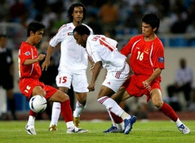 Olympic Viet Nam mo <b style='background-color:Yellow'>ky tich</b> truoc UAE nhu Asian Cup 2007