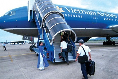 Phi cong <b style='background-color:Yellow'>Vietnam Airlines</b> bao om hang loat