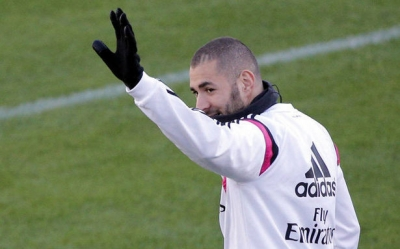 Real Madrid se ban <b style='background-color:Yellow'>Karim Benzema</b> trong mua he