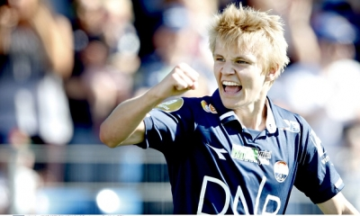 Martin <b style='background-color:Yellow'>Odegaard</b> - Lionel Messi cua Na Uy