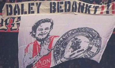 <b style='background-color:Yellow'>Daley Blind</b> rot nuoc mat vi loi tu biet muon man
