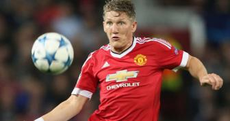 <b style='background-color:Yellow'>Schweinsteiger</b> cho tran derby Manchester dau tien trong su nghiep