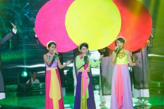 """<b style='background-color:Yellow'>Giong hat Viet nhi</b>: Cong Quoc gia gai """"ngot lim"""""""