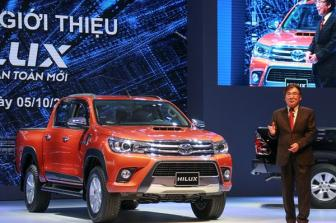 <b style='background-color:Yellow'>Toyota Viet Nam</b> gioi thieu Hilux hoan toan moi 2015