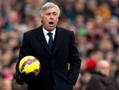 <b style='background-color:Yellow'>Carlo Ancelotti</b> thay the van Gaal tai Man United?