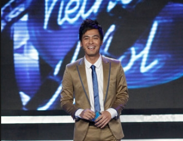 Phan Anh <b style='background-color:Yellow'>chia se</b> ly do roi Vietnam Idol