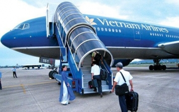 <b style='background-color:Yellow'>Vietnam Airlines</b> muon ban 5 may bay