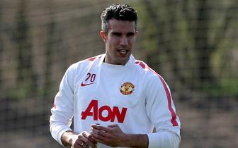 <b style='background-color:Yellow'>Van Persie</b> nghi tran derby Manchester