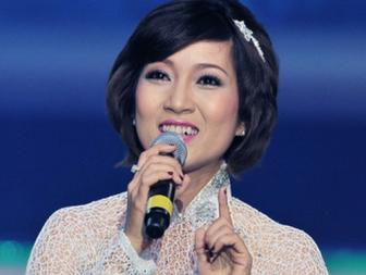 NSUT <b style='background-color:Yellow'>Thanh Thuy</b> : 20 nam ca hat mot liveshow