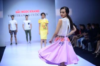 """<b style='background-color:Yellow'>Thoi trang</b> & cuoc song: """"Sen"""" chao don xuan he"""
