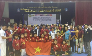 <b style='background-color:Yellow'>Karatedo Viet Nam</b> dung nhat Dong Nam A