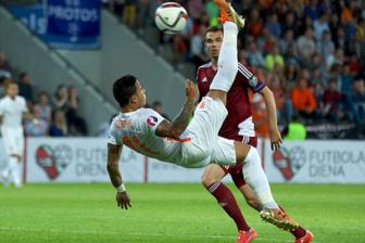 Video vong loai EURO 2016 bang A - Latvia 0-2 Ha Lan