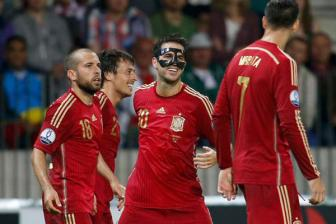 Video vong loai EURO 2016 bang C - Belarus 0-1 Spain