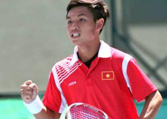 """Tay vot <b style='background-color:Yellow'>Nguyen Hoang Thien</b>: """"Federer giao bong tot hon Murray"""""""