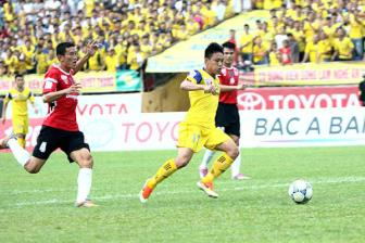 <b style='background-color:Yellow'>Con so</b>, thong ke vong 15 V-League