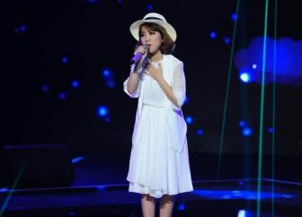 The voice: Co be hat tieu Khanh Linh ke chuyen <b style='background-color:Yellow'>tinh yeu</b> voi cha