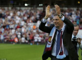 <b style='background-color:Yellow'>Europa League</b> 2015/16: West Ham dai thang trong ngay Slaven Bilic ra mat