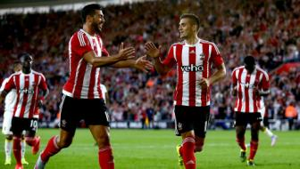 Vong loai <b style='background-color:Yellow'>Europa League</b>: Southampton rong cua di tiep, West Ham danh roi chien thang