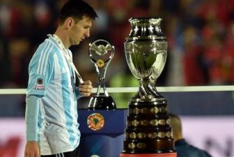 Argentina: Trong <b style='background-color:Yellow'>noi co don</b> cua Messi