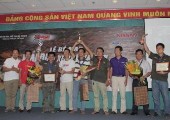 Cac danh hieu <b style='background-color:Yellow'>Vietnam Offroad Cup</b> 2015 da co chu