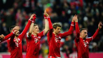 Vong 1 <b style='background-color:Yellow'>Bundesliga</b>: Dai gia khang dinh suc manh