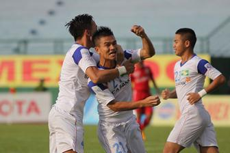 Tuong thuat truc tiep <b style='background-color:Yellow'>vong 19 V-League</b>:  FLC Thanh Hoa da biet thang
