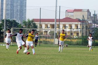 Giao huu DT U16 Viet Nam 2-4 <b style='background-color:Yellow'>U19 Viettel</b> 2-4: On ve tinh than