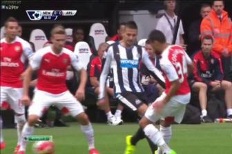 Video vong 4 ngoai hang Anh - Newcastle United 0-1 Arsenal
