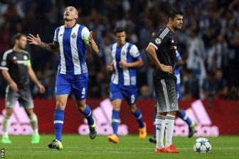 Video luot 2 vong bang Champions League - <b style='background-color:Yellow'>FC Porto</b> 2-1 Chelsea