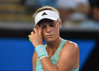 Wozniacki lo 4 match-point: Bo mat thoi co phai tra gia dat