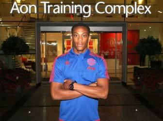 <b style='background-color:Yellow'>Anthony Martial</b>: Hanh trinh tu cau be ngo nguoc den ngoi sao cua Old Trafford (Phan 1)