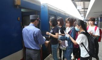 Beleaguered Vietnam Railways begs for support from unhappy customers