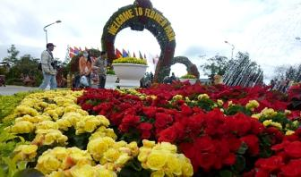 Flower festival returns to Da Lat