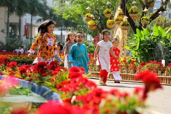 Vietnamese New Year Customs