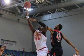 Chaos at the OCBC Arena: Slingers Continue Their Winning Ways Against The Kings