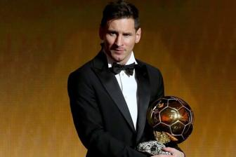 <b style='background-color:Yellow'>Khoanh khac</b> Lionel Messi pha ky luc gianh Qua bong Vang thu 5 trong su nghiep