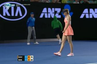 Video vong 3 Australia Open 2016: Lauren Davis vs <b style='background-color:Yellow'>Maria Sharapova</b>