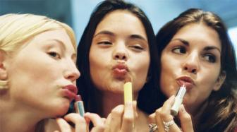Make-up tips for a perfect selfie