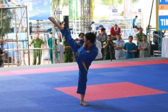 <b style='background-color:Yellow'>Vovinam</b> Viet Nam doat 1 HCB - 1 HCD trong buoi sang 1/10