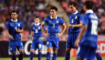 <b style='background-color:Yellow'>DT Thai Lan</b> khong bo AFF Cup 2016