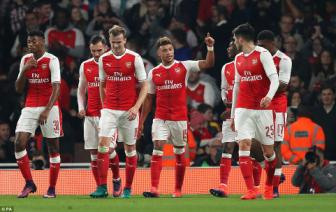 Arsenal 2-0 Reading: Minh <b style='background-color:Yellow'>Oxlade-Chamberlain</b> la du