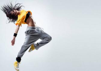 Ly do de Zumba tro thanh bo mon <b style='background-color:Yellow'>luyen tap</b> yeu thich