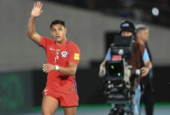 Chile 3-1 Uruguay: Alexis Sanchez toa sang, Arsenal bat an