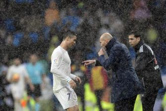 <b style='background-color:Yellow'>Real Madrid</b> 2-1 Gijon: Diem sang Cristiano Ronaldo
